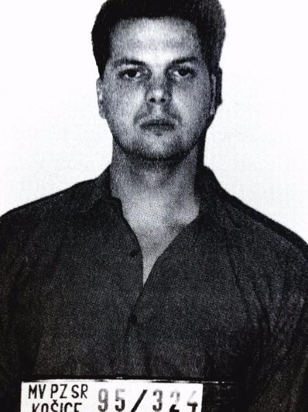 Karol Kollárik prezývaný Karči. Taktiež členom skupiny pod vedením Róberta Holuba. Po vražde Holuba zasadol na jeho miesto. Popravený strelnou zbraňou v roku 1999.